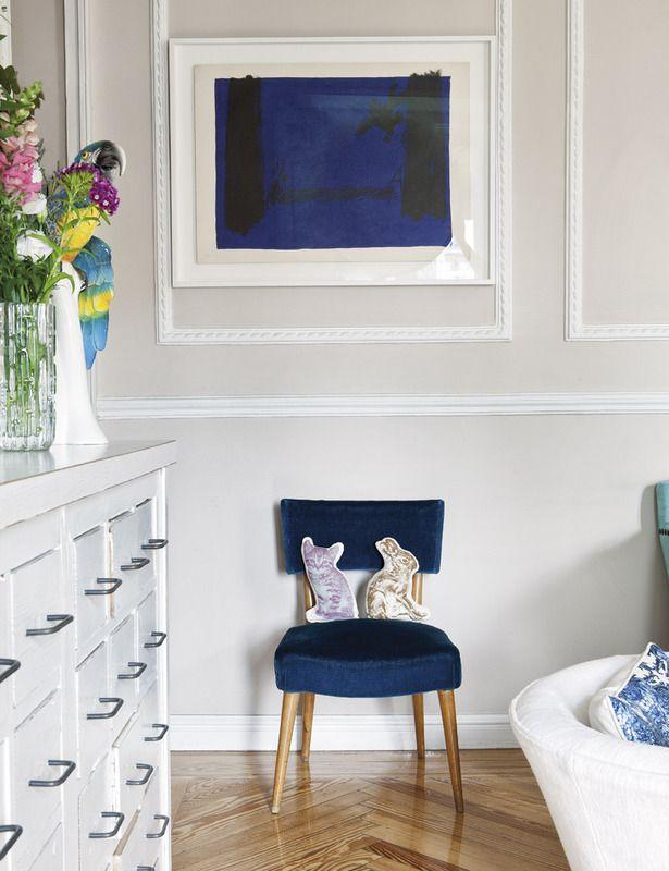 silla tapizada en terciopelo