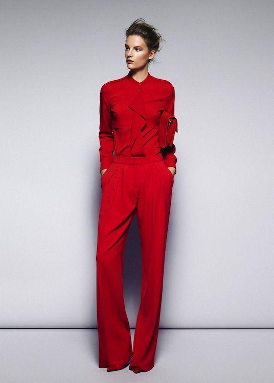 traje rojo para invitada de boda