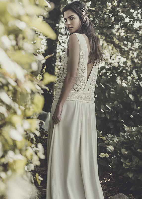 espaldas cruzadas en vestidos de novia