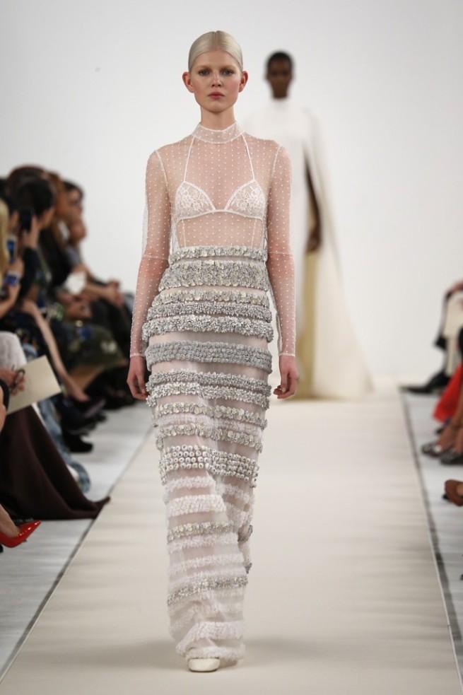 falda de novia bordada con perlas