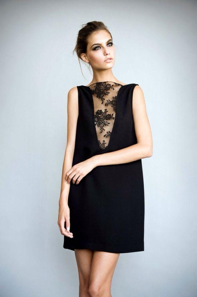 vestido minimal con transparencia para invitadas de boda