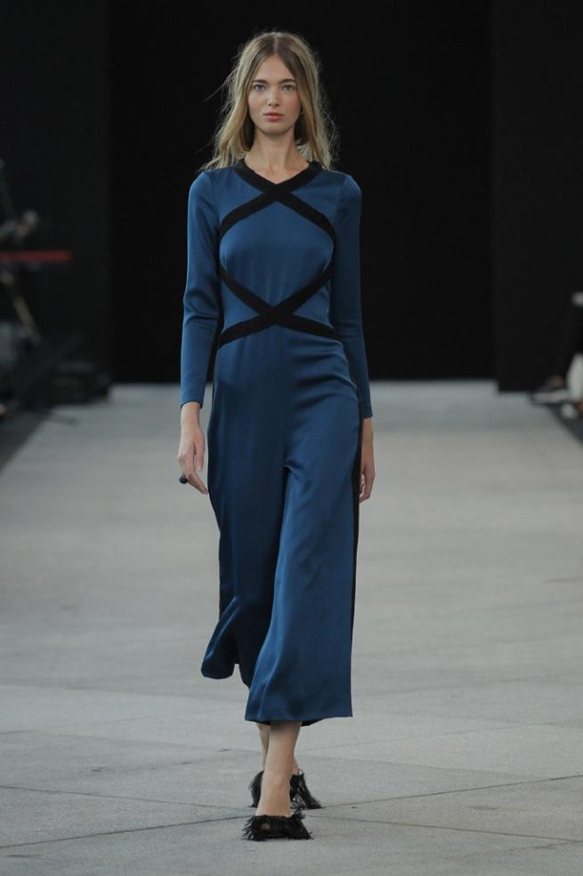 vestido_azul_y_negro_para_invitadas