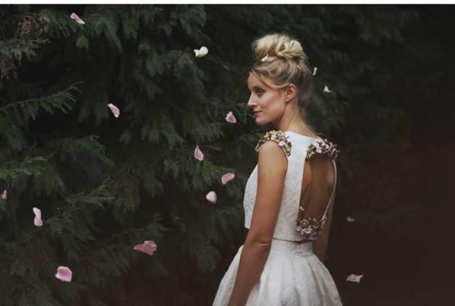 espalda_vestido_novia_con_flores