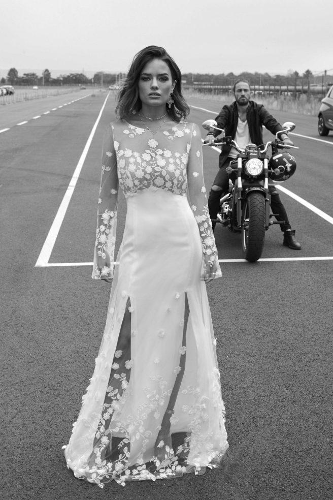 vestido-de-novia-con-flores-bordadas