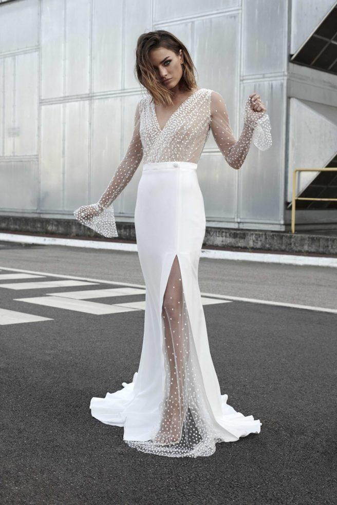 vestido-de-novia-con-transparencias-de-plumeti