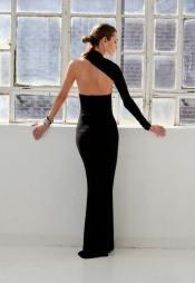vestido-negro-espalda-asimetrica